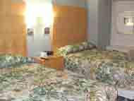 冷房が良く効いて綺麗に整頓された部屋でした。